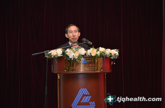 全国政协委员、中国国际文化传播中心党组书记、执行主席龙宇翔致辞
